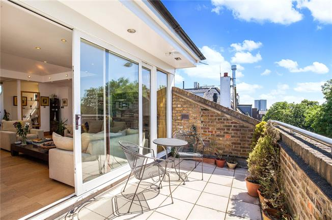 Asking Price £1,875,000, 3 Bedroom Flat For Sale in London, NW3