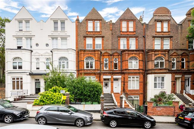 Asking Price £1,200,000, 3 Bedroom Flat For Sale in London, NW6