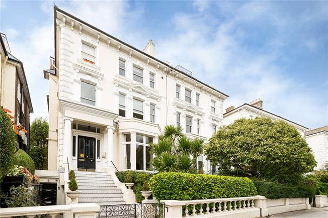 Asking Price £1,595,000, 3 Bedroom Flat For Sale in London, NW3