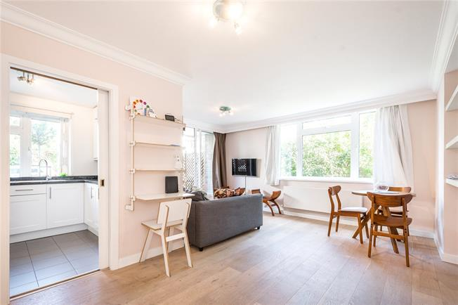 Asking Price £800,000, 2 Bedroom Flat For Sale in London, NW3