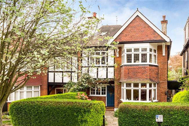Asking Price £2,650,000, 5 Bedroom Semi Detached House For Sale in London, N6