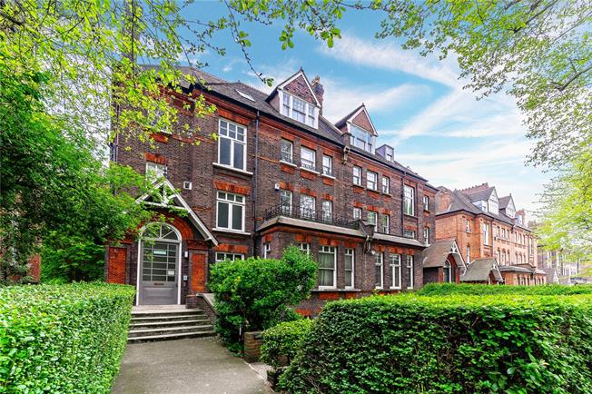 Asking Price £1,550,000, 3 Bedroom Flat For Sale in London, NW3