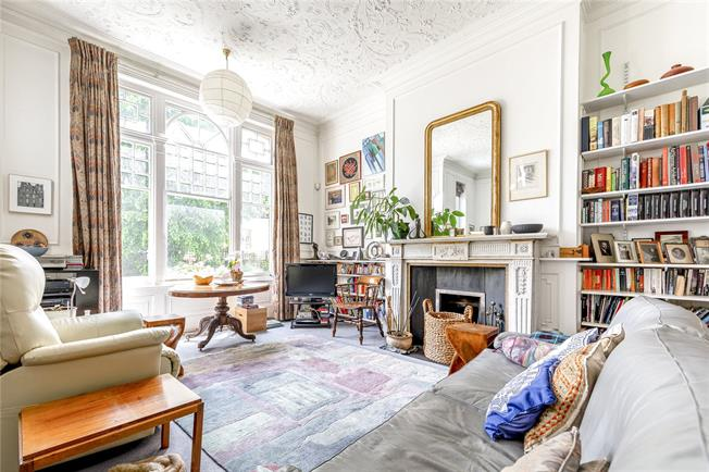 Asking Price £1,850,000, 4 Bedroom Flat For Sale in London, NW3