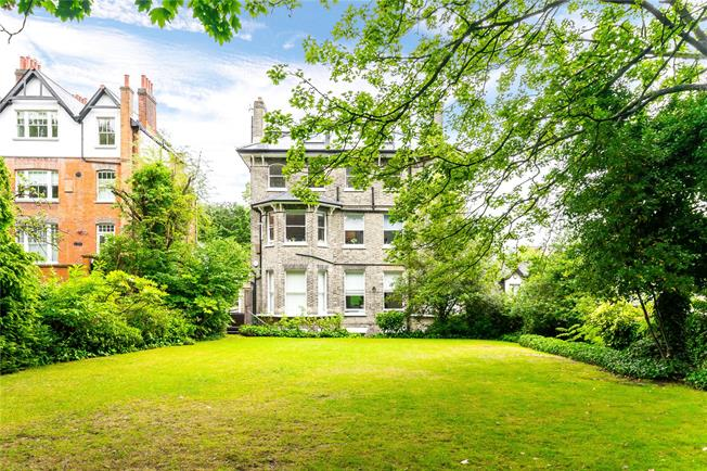 Guide Price £1,395,000, 3 Bedroom Flat For Sale in London, NW3