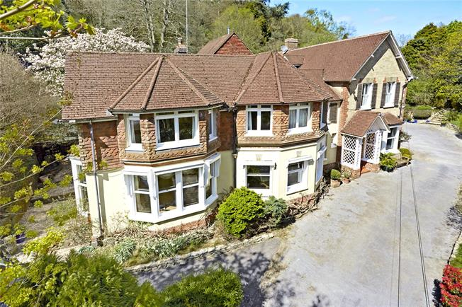 Guide Price £1,650,000, 7 Bedroom Detached House For Sale in Hindhead, GU26