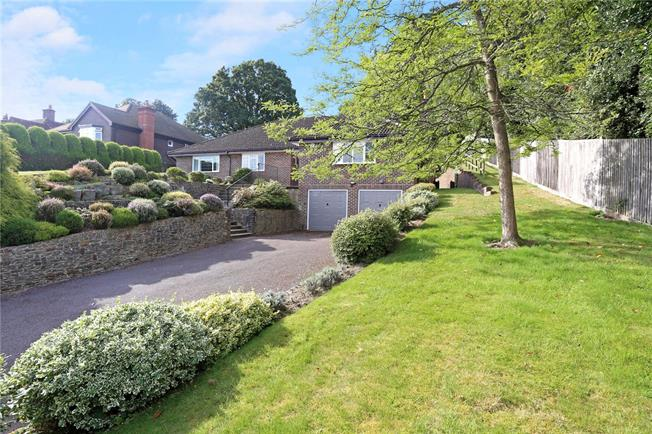 Guide Price £950,000, 3 Bedroom Bungalow For Sale in Haslemere, GU27