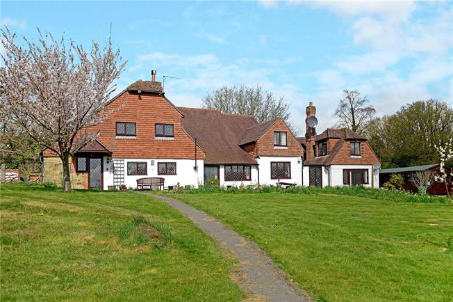 Guide Price £1,395,000, 5 Bedroom Detached House For Sale in Haslemere, GU27