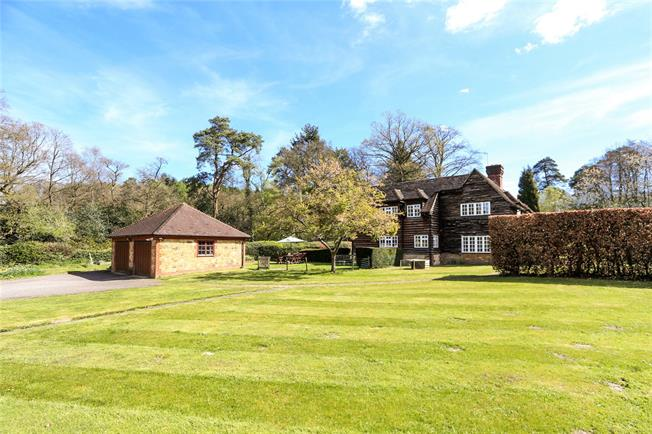 Asking Price £1,200,000, 6 Bedroom Detached House For Sale in Haslemere, GU27