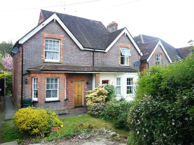 Guide Price £400,000, 2 Bedroom Semi Detached House For Sale in Haslemere, GU27