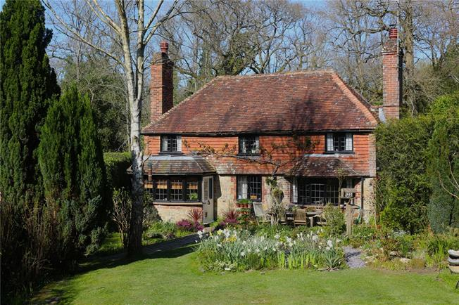 Asking Price £875,000, 4 Bedroom Detached House For Sale in Haslemere, Surrey, GU27