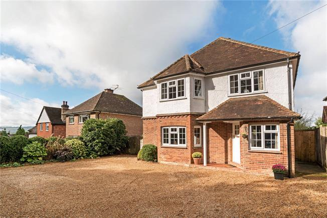 Guide Price £750,000, 4 Bedroom Detached House For Sale in Haslemere, West Sussex, GU27