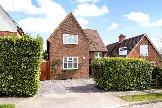 Offers in excess of £600,000, 3 Bedroom Detached House For Sale in Surrey, GU27
