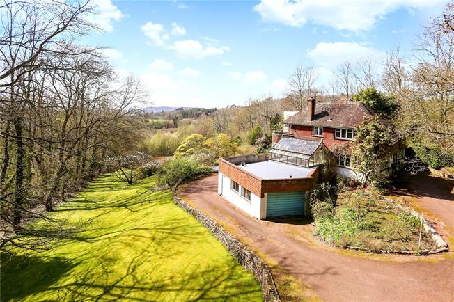 Asking Price £1,250,000, 4 Bedroom Garage For Sale in West Sussex, GU27