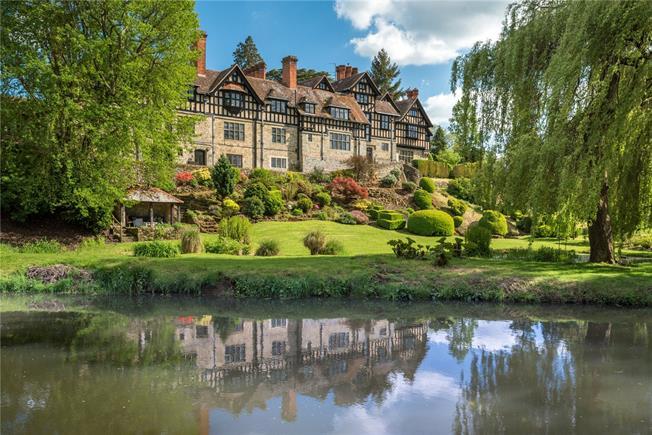 Guide Price £700,000, 3 Bedroom Flat For Sale in Stedham, GU29