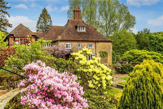 Guide Price £3,500,000, 5 Bedroom Detached House For Sale in Haslemere, GU27
