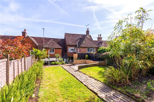 Asking Price £450,000, 3 Bedroom Terraced House For Sale in Haslemere, GU27