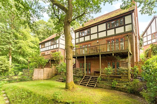 Offers in excess of £600,000, 5 Bedroom Detached House For Sale in Hindhead, Hampshire, GU26