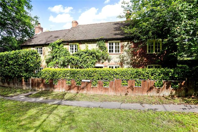 Asking Price £895,000, 5 Bedroom Detached House For Sale in Surrey, GU27