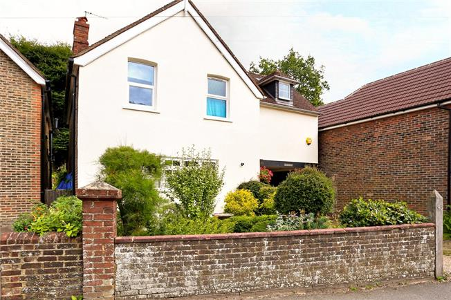 Guide Price £565,000, 4 Bedroom Detached House For Sale in Surrey, GU27