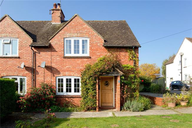 Asking Price £450,000, 3 Bedroom Semi Detached House For Sale in Petworth, GU28