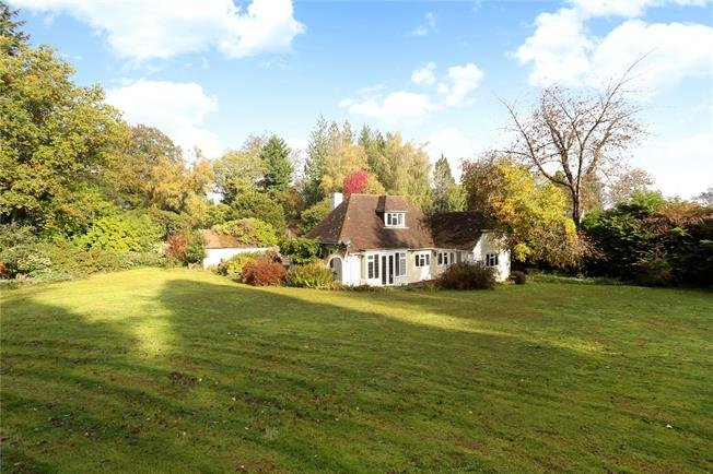 Asking Price £795,000, 2 Bedroom Bungalow For Sale in Haslemere, GU27