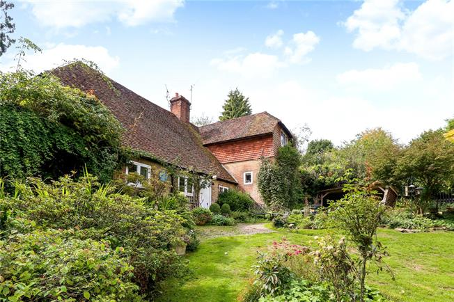 Asking Price £1,000,000, 4 Bedroom Detached House For Sale in Haslemere, GU27