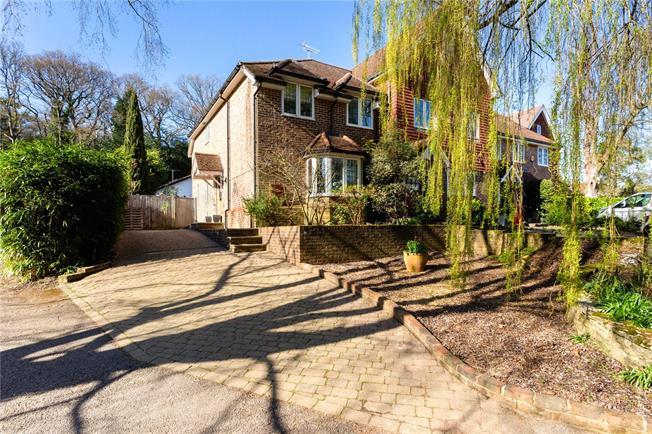 Asking Price £475,000, 3 Bedroom Mews House For Sale in Midhurst, GU29