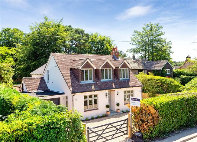 Offers in excess of £1,000,000, 4 Bedroom Detached House For Sale in Hindhead, GU26