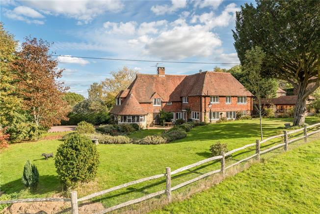 Asking Price £1,650,000, 4 Bedroom Detached House For Sale in Lurgashall, GU28