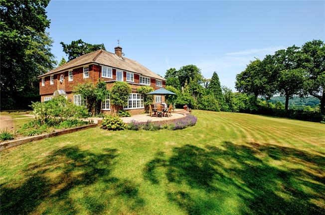 Asking Price £1,595,000, 5 Bedroom Detached House For Sale in Haslemere, GU27