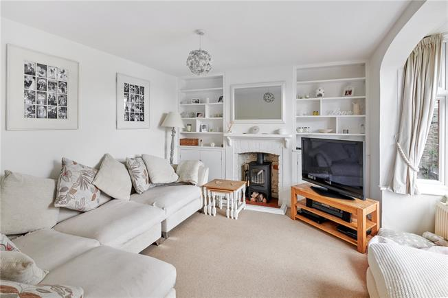 Asking Price £600,000, 4 Bedroom Semi Detached House For Sale in Haslemere, GU27