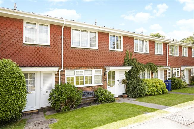 Asking Price £375,000, 3 Bedroom Terraced House For Sale in Haslemere, GU27