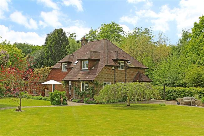 Guide Price £785,000, 3 Bedroom Detached House For Sale in Ansty, RH17