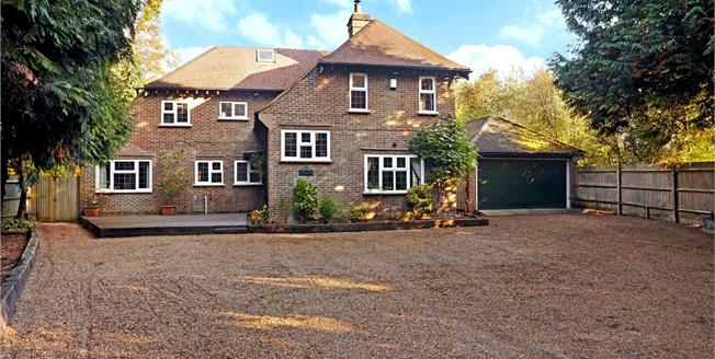 Guide Price £1,150,000, 5 Bedroom Detached House For Sale in Crawley, RH10