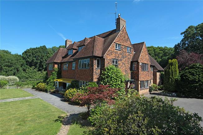 Guide Price £2,250,000, 10 Bedroom Detached House For Sale in Cuckfield, RH17