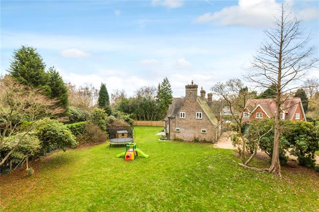 Guide Price £1,100,000, 4 Bedroom Detached House For Sale in Haywards Heath, East Suss, RH17