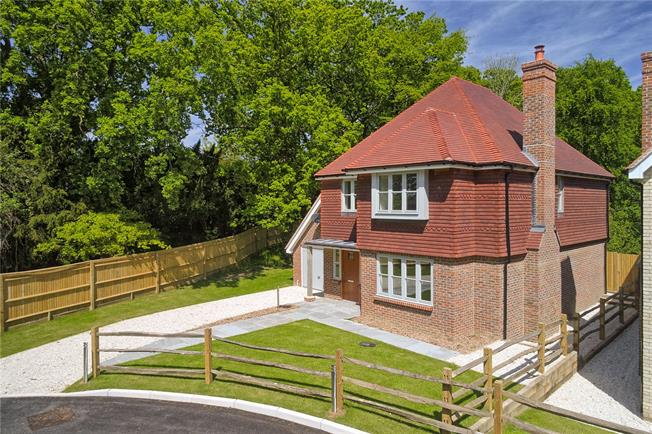 Asking Price £825,000, 4 Bedroom Detached House For Sale in Balcombe, West Sussex, RH17