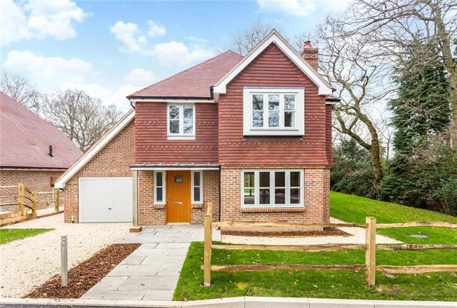 Asking Price £850,000, 4 Bedroom Detached House For Sale in Balcombe, RH17