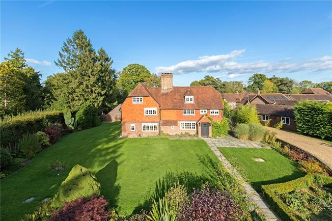 Guide Price £1,200,000, 6 Bedroom Detached House For Sale in Crawley Down, RH10