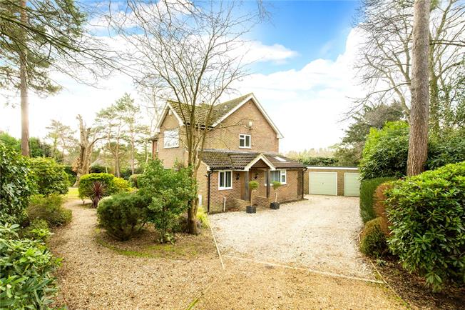 Guide Price £750,000, 4 Bedroom Detached House For Sale in Lewes, East Sussex, BN8