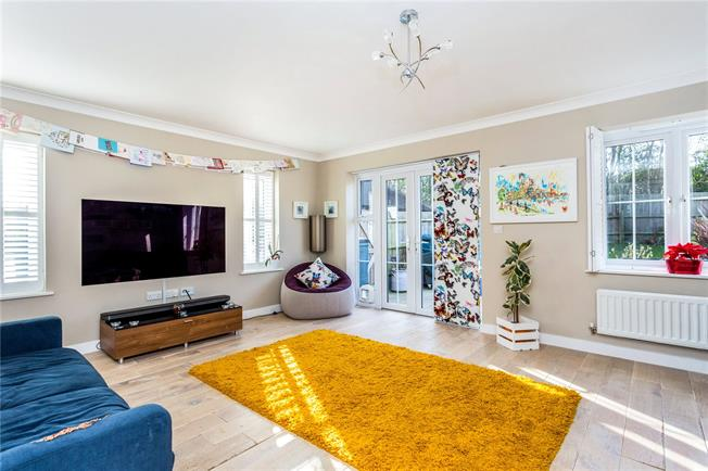 Guide Price £435,000, 4 Bedroom End of Terrace House For Sale in Haywards Heath, West Suss, RH16