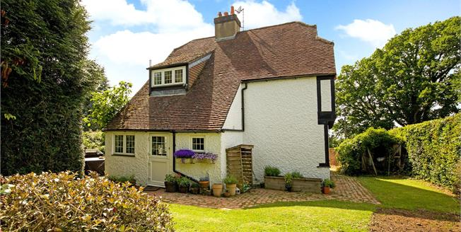 Guide Price £750,000, 3 Bedroom Detached House For Sale in Ditchling, BN6