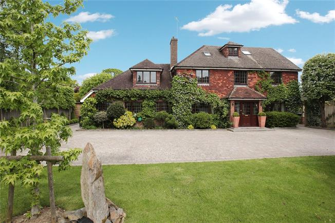 Guide Price £1,295,000, 6 Bedroom Detached House For Sale in Burgess Hill, RH15