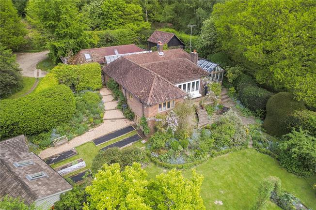 Guide Price £890,000, 4 Bedroom Detached House For Sale in East Sussex, TN22