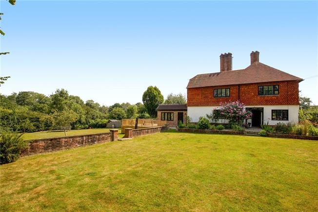 Guide Price £995,000, 4 Bedroom Semi Detached House For Sale in Lindfield, RH16