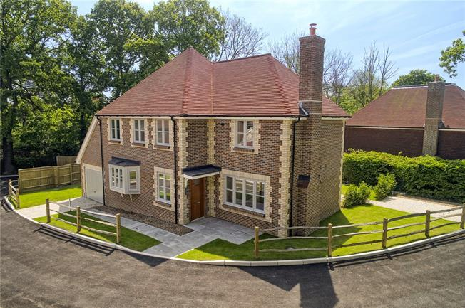 Asking Price £775,000, 5 Bedroom Detached House For Sale in Balcombe, West Sussex, RH17