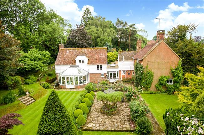 Guide Price £1,350,000, 5 Bedroom Detached House For Sale in West Sussex, RH17