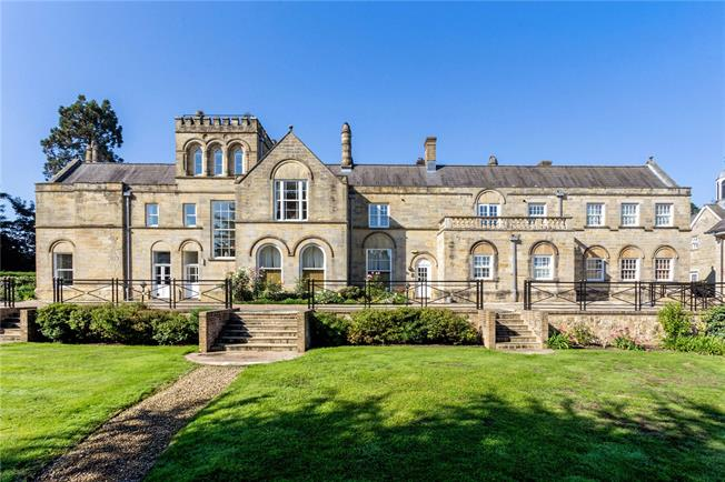 Asking Price £339,950, 2 Bedroom Flat For Sale in Ardingly, RH17