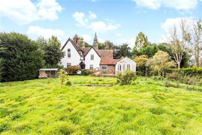 Guide Price £1,200,000, 5 Bedroom Detached House For Sale in Haywards Heath, West Suss, RH16