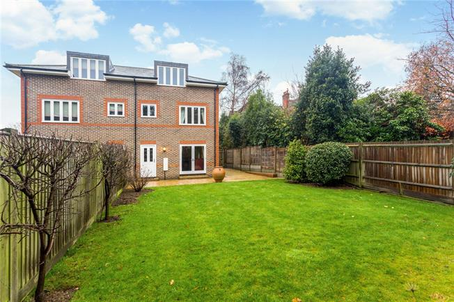 Asking Price £450,000, 3 Bedroom House For Sale in Haywards Heath, RH16